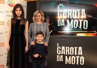 """SBT e Fox Life realizam coletiva de lançamento de """"A Garota da Moto"""""""